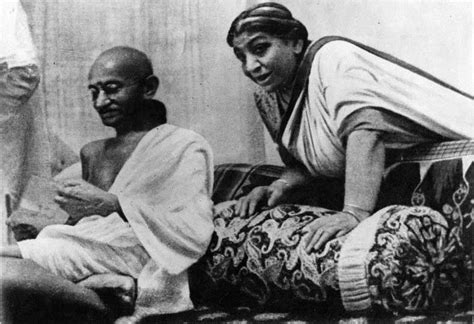 biography mahatma gandhi bengali biography of saroji naidu the nightingale of india prowl