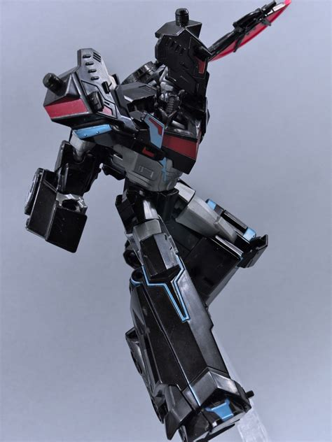 Transformers Nemesis Prime in in and out of package pics of transformers