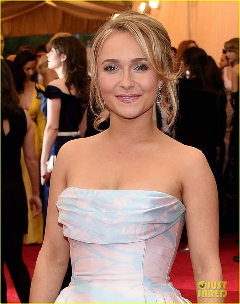 Dons Carpet by Full Sized Photo Of Hayden Panettiere Met Ball 2014 Red