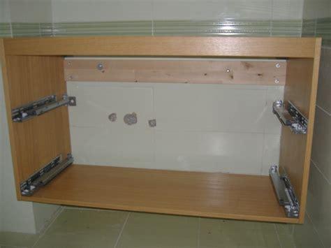 montaggio piastrelle bagno installazione guidata di un lavabo in un bagno wc