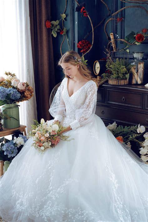 vintage inspired puff sleeve wedding dresses