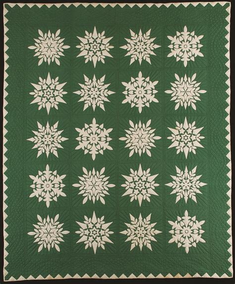 Snowflake Quilt by Best 25 Snowflake Quilt Ideas On