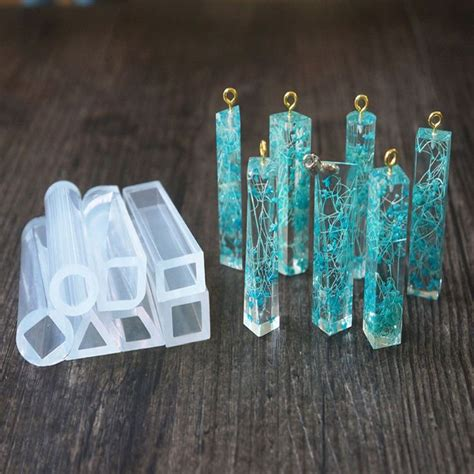 how to make resin molds for jewelry best 25 resin jewelry ideas on resin