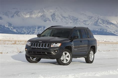 compass jeep 2011 2011 jeep compass starts at 19 295 autoevolution