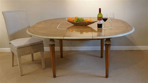 Dining Room Table Displays by Vendome Dining Table Ex Display Ghshaw Ltd
