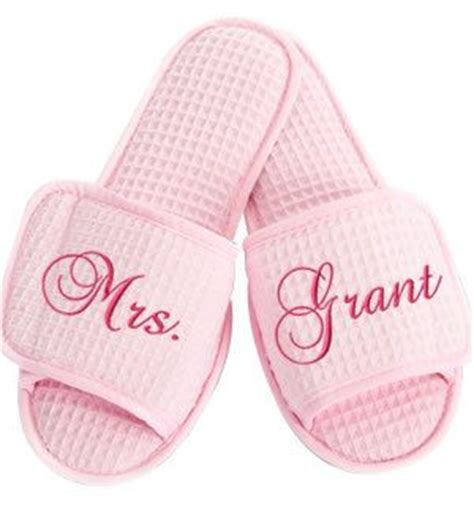 monogrammed bedroom slippers 57 best images about gift ideas for sister in law on pinterest