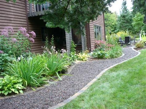 Square To Yards Of Gravel by Gravel Backyard Ideas Designs Inexpensive Projects Small