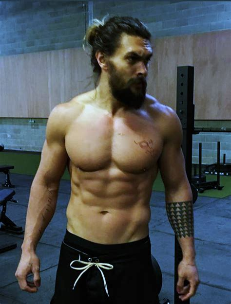 aquaman workout how jason momoa gets ripped pop workouts