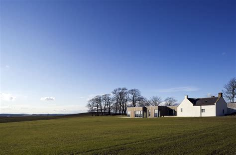houses on hills house on a hill by paterson architects karmatrendz