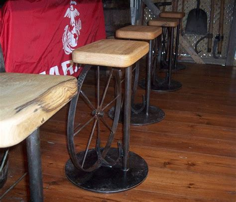 Wagon Wheel Bar Stools by Wagon Wheel Bed Wagon Wheel Bar Stools Country Living