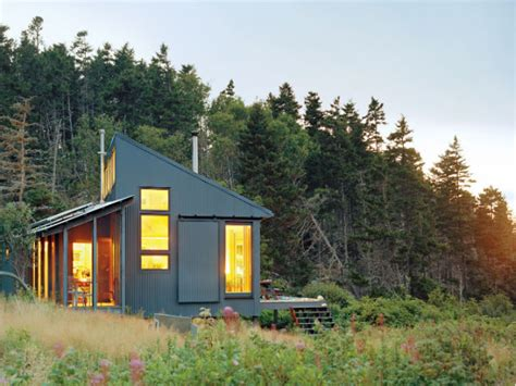 building a cottage off grid cabin maine living off grid in maine building a