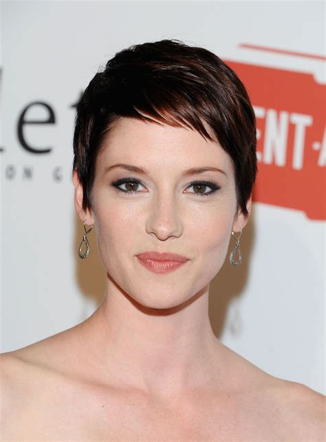 chyler leigh short hairstyles best short pixie haircut for fine chyler leigh from taxi brooklyn hair pinterest