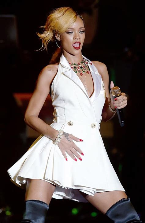 hanna f white dress 209 best rihanna style images on pinterest rihanna style