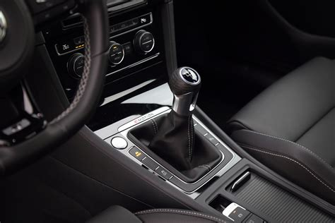 Volkswagen Golf Manual by Review 2016 Volkswagen Golf R Canadian Auto Review