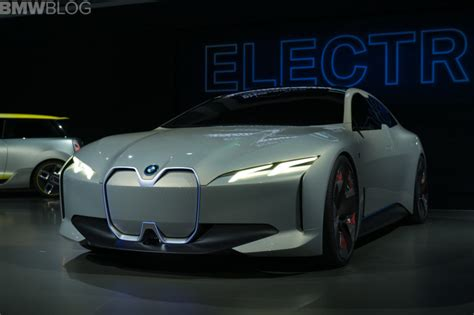 bmw waiting    electric car mass production