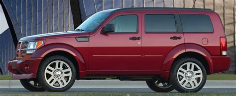 dodge jeep chrysler face off 2011 dodge nitro vs 2011 jeep liberty