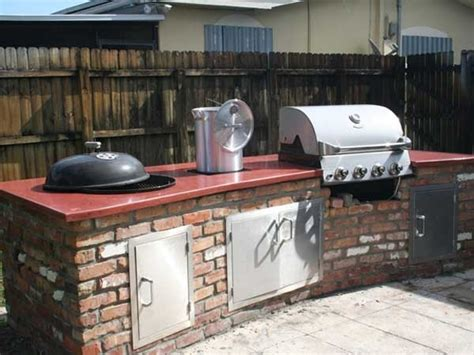 Backyard Grill Vs Weber Built In Weber Grill Concrete Countertop Http Www