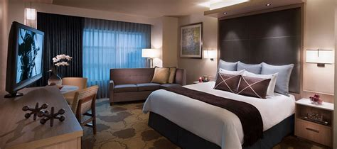 How To Get A Hotel Room For Free by Aaa Four Guest Rooms And Suites In Ta Fl