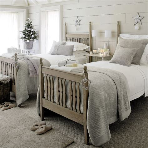 Gray And Beige Bedroom by Best 25 Grey And Beige Ideas On Paint Palettes Neutral Paint And Bedroom Color