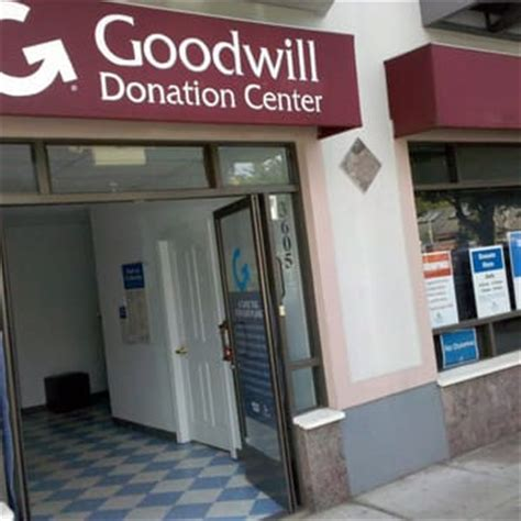 Does Goodwill Accept Furniture Donations by Goodwill Industries Marina Donation Station 16 Reviews