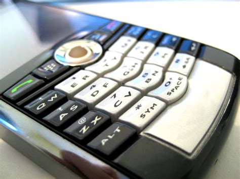 how to boost cell phone signal and get better reception
