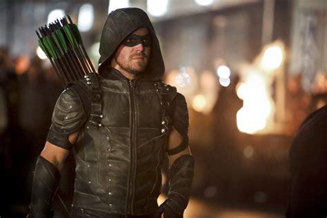bioskopkeren arrow season 5 arrow season 5 spoilers did stephen amell just tease a