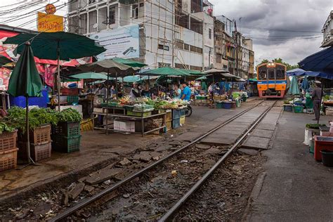marche on line 6 must visit markets in bangkok you shouldn t miss