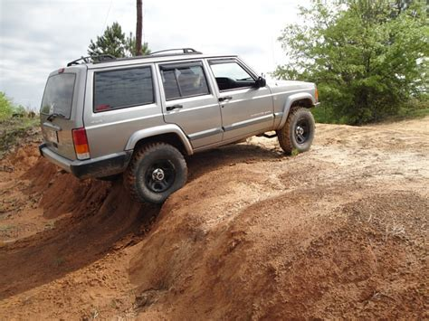 Jeep Xj Wheels Pic Request Lifted Xj On Stock Wheels Jeep Forum