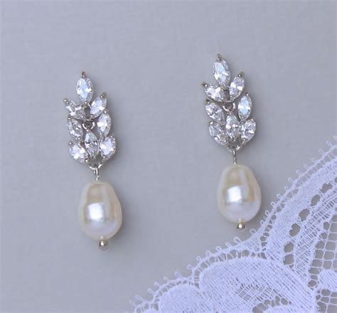 braut ohrringe tropfen crystal and pearl drop earrings faux crystal swirl with
