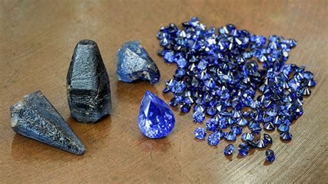 Safir Madagascar blue sapphires from a new deposit near andranondambo