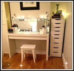 Vanity With Makeup Table Makeup Vanity Table With Lighted Mirror Decofurnish