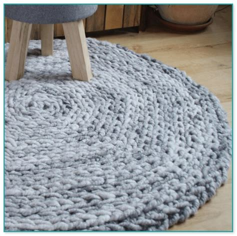 ovalen teppich h keln teppich hkeln anleitung trendy this colorful crocheted