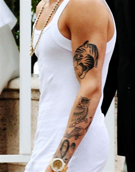 justin bieber owl tattoo justin bieber white shirt tattoomagz
