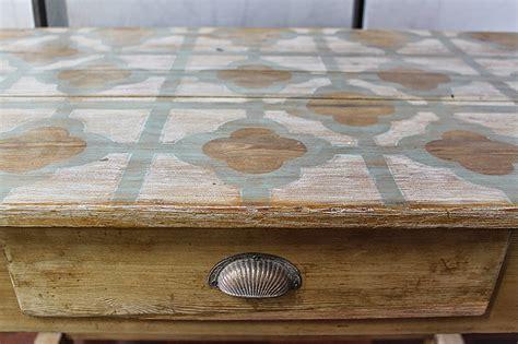 chalk paint para muebles de exterior dominique transformar una mesa tocinera con chalk paint