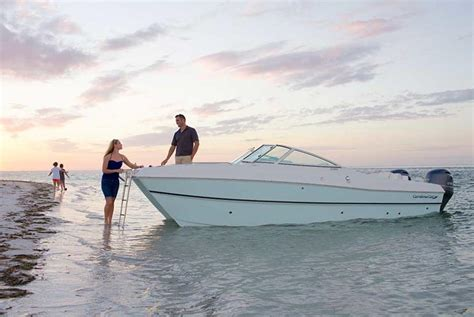 world cat boat test 2017 world cat 230sd sun deck buyers guide us boat test