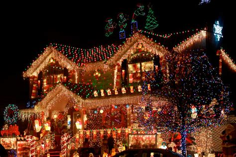 20 insane christmas light displays