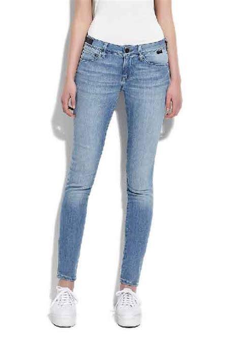 en yeni mavi jeans modelleri 4 2015 en moda ve en yeni mavi jeans bayan kot pantolon modelleri kadincasayfa com
