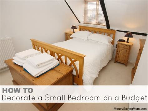 how to decorate a small bedroom on a budget money saving mom 174