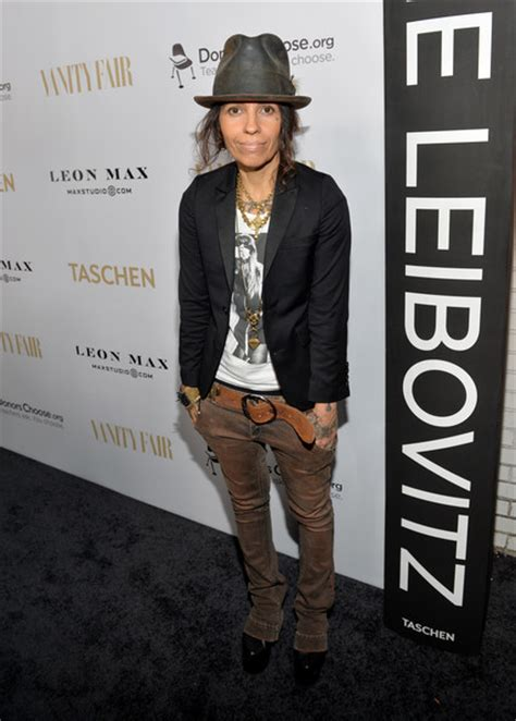 linda perry singer songwriter linda perry pictures annie leibovitz sumo size book
