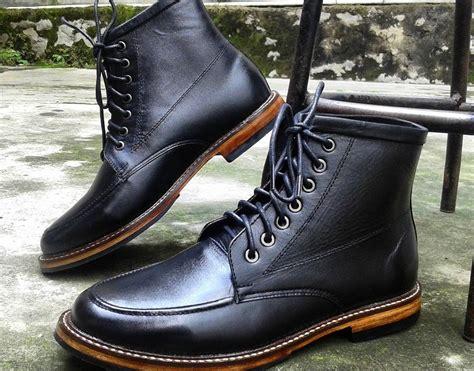 Sepatu Boot Biasa sepatu boots pria dan wanita ada di magetansepatu