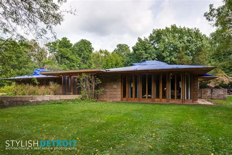 frank lloyd wright houses for sale this frank lloyd wright house in michigan is for sale for