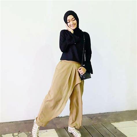 Tunik Blouse Muslim Pastel Alena Celana Panjang Kulot trend baju muslim 2017 yang bikin kamu til lebih modis