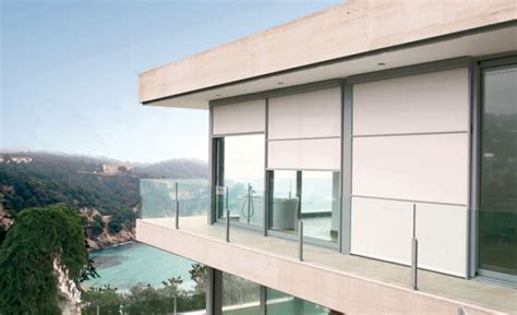 persianas exteriores enrollables persiana enrollable bandalux toldos y persianas en bilbao