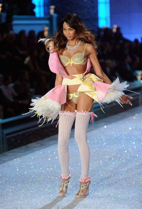 chanel iman victoria secret chanel iman victorias secret fashion show nov 9 2011