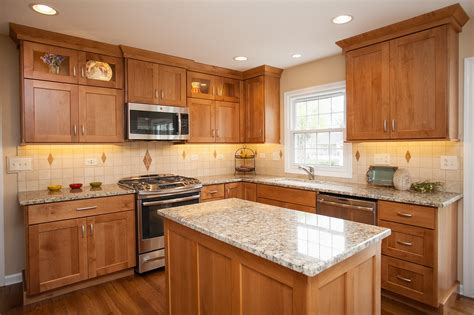 shaker oak kitchen cabinets light oak shaker kitchen cabinets kitchen cabinet