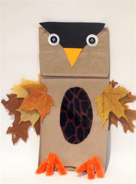 Paper Bag Owl Craft - glitter mommies easy fall owl craft