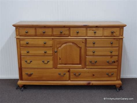 knotty pine dresser broyhill knotty pine triple dresser w 13 drawers