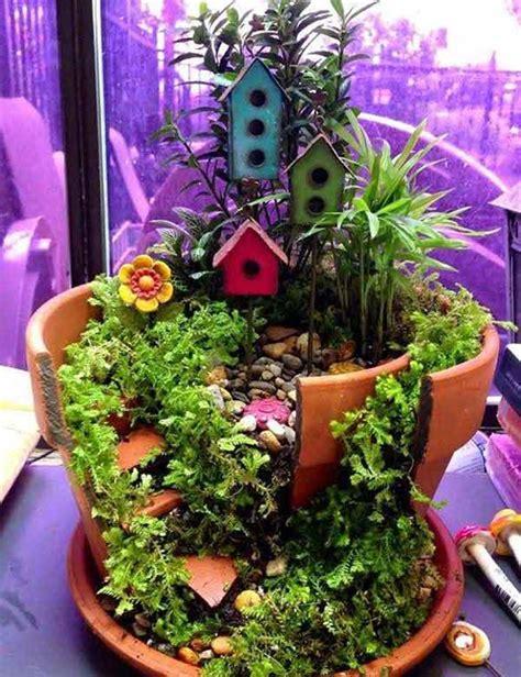 Broken Pot Garden by Stunning Ideas To Build A Tale Garden In A Broken Pot Amazing Diy Interior Home Design
