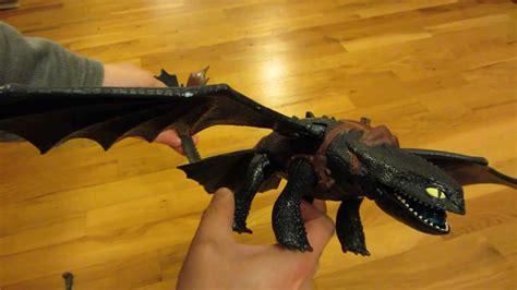 train  dragon giant fire breathing night fury