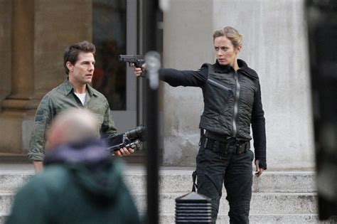 film tom cruise emily blunt emily blunt photos tom cruise and emily blunt film all